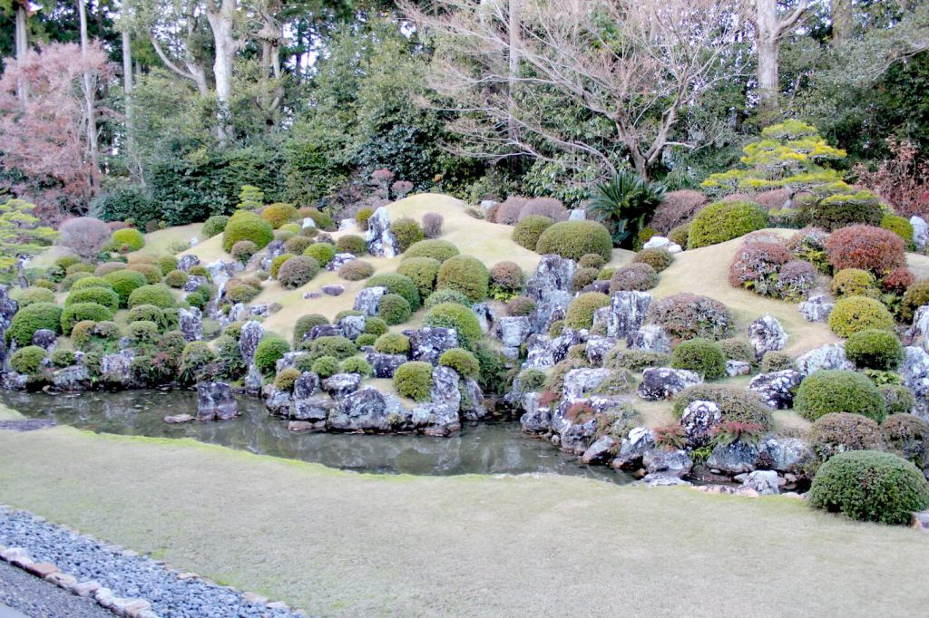 龍潭寺の庭の画像