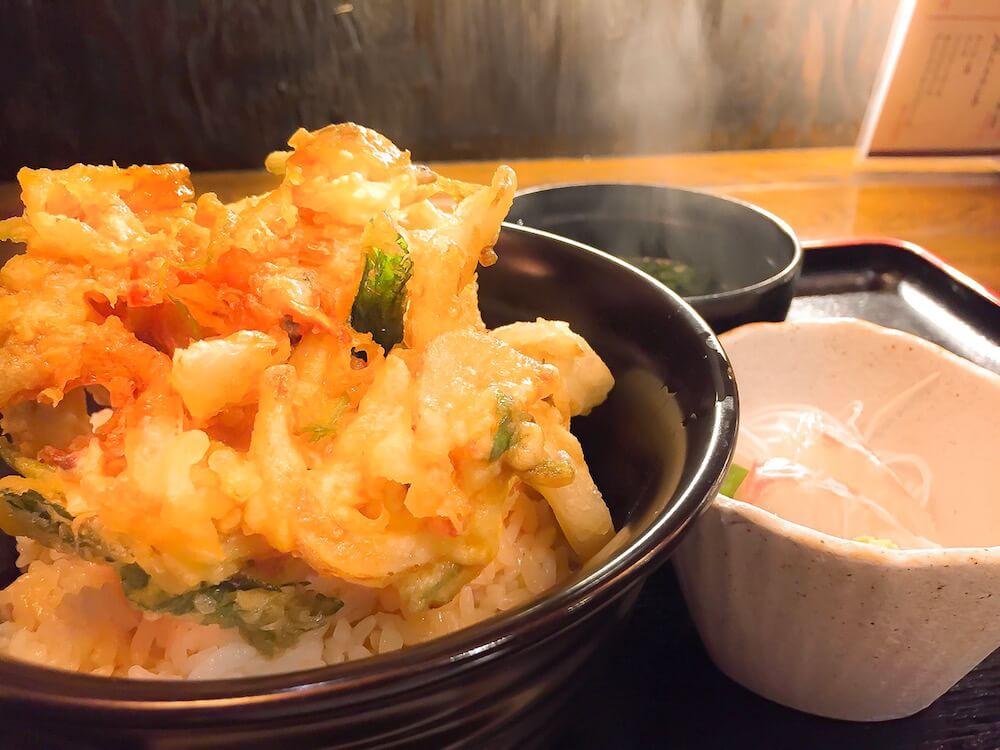 白蔵のアサリのかき揚げ丼の画像